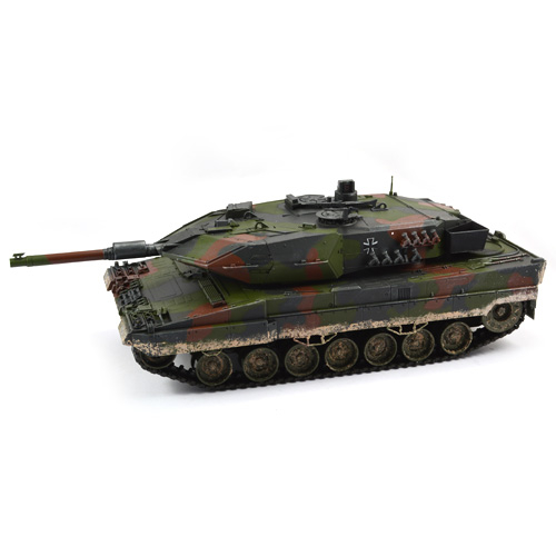 HOBBY ENGINE PREMIUM LABEL 2.4G 2A5 LEOPARD TANK